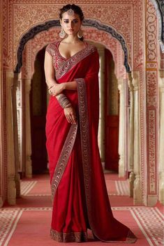 Rangoli Georgette Silk Saree in Maroon Color. Enhanced with Fency Thread, Hand Work, and Lace Border Work. Available with a Un-Stitched Banglori Silk With Fency Thread Work And Sequnce With Dori Work Blouse, Crafted in Round Neck and Short sleeves. Indian Bridal Outfits, Indian Bridal Fashion, Indian Designer Outfits, Dress Indian Style, Indian Dresses, Red Saree Wedding, Engagement Saree, Designer Sarees Wedding, Party Wear Sarees