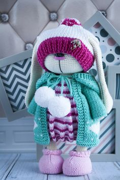 Mesmerizing Crochet an Amigurumi Rabbit Ideas. Lovely Crochet an Amigurumi Rabbit Ideas. Crochet Rabbit, Crochet Bunny, Cute Crochet, Crochet Animals, Knitted Bunnies, Knitted Dolls, Crochet Dolls, Crochet Doll Pattern, Crochet Toys Patterns