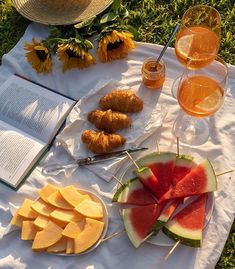 Picnic Date Food, Beach Picnic Foods, Summer Picnic, Cute Food, Good Food, Good Morning Breakfast, Aesthetic Food, Food Inspiration, Food To Make