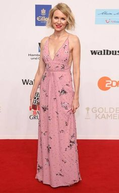 Think Pink from Fashion Police Naomi Watts steals the spotlight at the Golden Camera Awards in Hamburg, Germany, wearing a pink gown featuring a plunging neckline and beaded embroidery. Pink Gowns, Pink Dress, Denim Fashion, Womens Fashion, Pink Fashion, Nice Dresses, Formal Dresses, Long Dresses, Naomi Watts