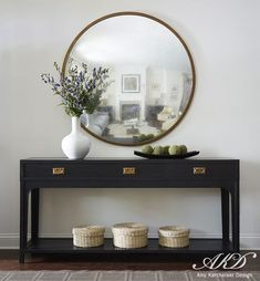 Get inspired by Traditional Foyer Design photo by Amy Kartheiser. Wayfair lets you find the designer products in the photo and get ideas from thousands of other Traditional Foyer Design photos. Entrance Decor, Entryway Decor, Entryway Tables, Console Table Decor, Hallway Table Decor, Hallway Console, Entry Foyer, Deco Zen, Flur Design