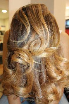 La magia del Degradé Joelle. Dettagli che fanno la differenza, per avere capelli belli e sani.  #cdj #degradejoelle #dettaglidistile #stile #capellibelli #capellisani