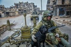 Minesweepers Military engineers of the Russian Army's international counter-mine center on a mine clearance mission in Eastern Aleppo, Syria. Military Art, Military History, Military Clothing, Military Guns, Syrian Civil War, Military Special Forces, Vietnam War Photos, War Dogs, Military Pictures