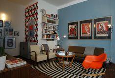 vintage apartment in Milan ** Milanski vintidž stan Bedroom Color Schemes, Bedroom Colors, Bedroom Decor, Bedroom Ideas, Home Interior Design, Interior Decorating, Vintage Apartment, Bright Homes, Blue Walls