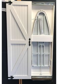 Bügelbrett verstecken Farmhouse Built-in Ironing Board Mudroom Laundry Room, Laundry Room Remodel, Laundry Room Organization, Laundry Room Design, Storage Organization, Laundry Storage, Farmhouse Laundry Rooms, Built In Storage, Storage Shelves