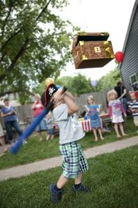 Pirate Party Piñata! I. Think I might have to try making this for the boys' birthday party
