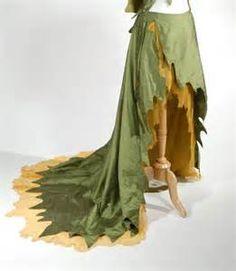 Woodland fairy skirt I want something like this for my Thistle fairy costume. Fairy Skirt, Fairy Dress, Cosplay Costumes, Halloween Costumes, Wood Elf Costume, Fairy Costumes, Pirate Costumes, Woodland Fairy Costume, Woodland Elf