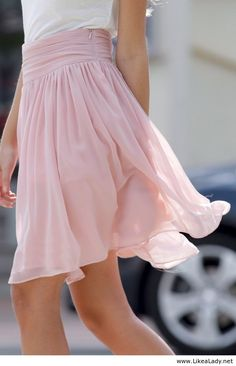 Feminine light pink skirt