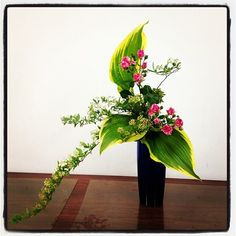 """""""Kadoh"""" (華道, the """"way of flowers""""). It is a disciplined art form in which nature and humanity are brought together.This ikebana means that the crane is flying.....(^O^)"""