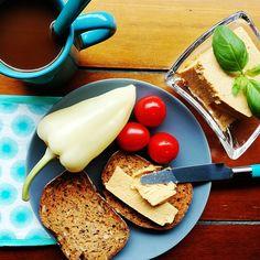 Kenhető cheddar sajt - NAGYON JÓ (kocka műanyagba)