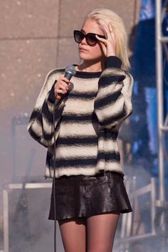 How to Chic: SKY FERREIRA - GRUNGE STYLE