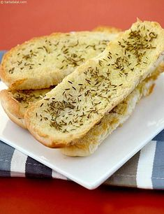 Caraway Seed Toast is an ideal accompaniment to soups , it is crispy and has a distinct jeera flavour. Bun Wrap, Caraway Seeds, Hot Soup, Tea Time, Side Dishes, Toast, Spices, Favorite Recipes, Sweets