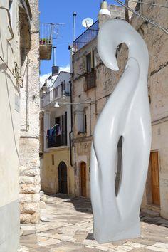 FALCO GRILLAIO CHE INBECCA -marmo carrara-installazione