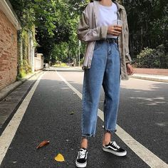 2020 Women Jeans Women'S Corduroy Pants Fashion Jeans Flannel Lined Jeans Womens - Source by - Retro Outfits, Korean Outfits, Vintage Outfits, Cool Outfits, Casual Outfits, Vintage Jeans, Korean Clothes, Hijab Casual, Ootd Hijab