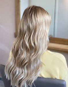 #blondehairstyles #extensions #hair #balayage #fashion #ash #beauty #marianila #greatlengths Maria Nila, Extensions Hair, Great Lengths, Hair Colors, Videos, Different Colors, Blonde Hair, Hairstyles, Long Hair Styles