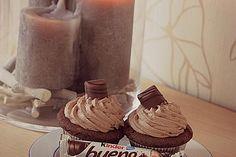 Kinder Bueno-Cupcakes von CupCake198 | Chefkoch Easy Smoothie Recipes, Easy Smoothies, Snack Recipes, Bueno Cake, Coconut Milk Smoothie, Homemade Frappuccino, Pumpkin Spice Cupcakes, Diy Cake, Frappe