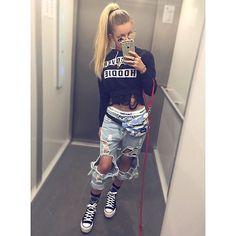 Katrin Vogelova aka Katja Krasavice Youtuber, Stars, Model, Pants, Outfits, Ach Ja, Instagram, Savage, Girls