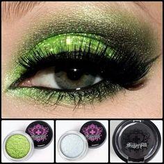 Go Green: Green Eyeshadow Looks green glitter rocks – Das schönste Make-up Green Eyeshadow Look, Best Eyeshadow, Makeup For Green Eyes, Eyeshadow Looks, Eyeshadow Makeup, Eyeliner, Eyeshadow Ideas, Eyeshadow Palette, Revlon Eyeshadow