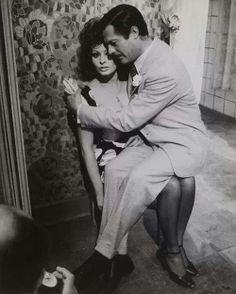 ❦ Sophia Loren & Marcello Mastroianni, Matrimonio all'italiana, 1964 (Pierluigi Praturlon) - la-dame-de-la-nuit Sophia Loren, Marcello Mastroianni, Hollywood Couples, Hollywood Celebrities, Brigitte Bardot, Classic Hollywood, Old Hollywood, Beatles, Boyfriends