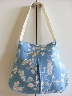 Items similar to Blue Sea Handbag, Tote on Etsy Cool Diy Projects, Sewing Projects, Sewing Ideas, Diy Purse Patterns, Diy Bags Purses, Diy Handbag, Cute Diys, Diy Clothing, Tote Handbags