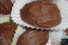 """Linda's Butter Cream Easter Eggs - These eggs are really """"WONDERFUL"""". What a great idea to make with the kids for Easter! Try these, you will absolutely LOVE THEM! Easter Recipes, Egg Recipes, Other Recipes, Holiday Recipes, Recipies, Eggless Recipes, Easter Desserts, Baking Recipes, Easter Candy"""