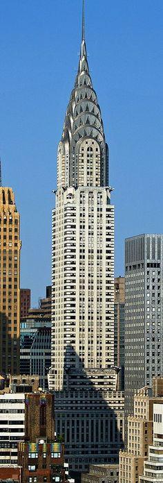 Het Chrysler Building is een goed voorbeeld van de Art Deco stijl die heerste in de jaren 30: strak, maar gedetailleerd.