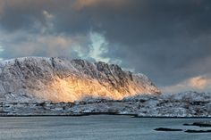 Les Lofoten et ses levers de soleil. On Explore! | Explore g… | Flickr - Photo Sharing!