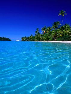 オールポスターズの ピーター・ヘンドリー「Tropical Lagoon Waters, Aitutaki, Southern Group, Cook Islands」写真プリント