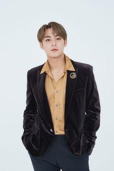 Woozi, Wonwoo, Jeonghan, The8, Seungkwan, Vernon, Seventeen Album, Mingyu Seventeen, Seventeen Magazine