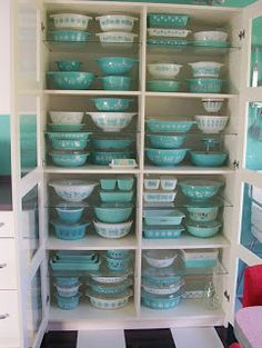 Pyrex Amish Butterprint collection