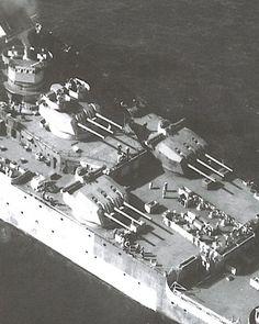 Les tourelles de 152mm du Bâtiment de Ligne Richelieu