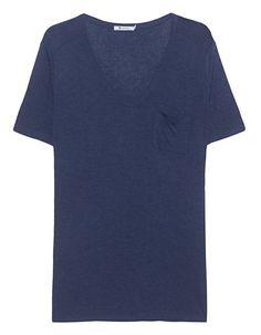 Viskose-T-Shirt mit Brusttasche Dieses körperumspielende navyblaue Viskose-T-Shirt mit Brusttasche und Rundhalsausschnitt ist definitiv eine der besten Fashion-Basic-Investitionen der Saison!  Super vielseitig und dabei noch so bequem!