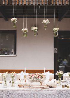 Rustikální výzdoba svatební hostiny i obřadu / Od Million Bells pro Lucii a Pavla.