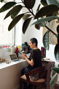 Zainab Salbi interview on humanitarianism. In the gruelling arena of peace building, Zainab Salbi is a bit of a big deal. Pixie Styles, Hair Styles, Short Styles, Peace Building, Writing Studio, Short Pixie, Interview, Photographers, Wolf