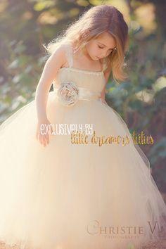 Elfenbein Champagner Blumenmädchen Tutu Kleid von littledreamersinc