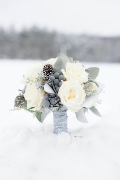 Trend Alert For Winter: 24 Silver And Grey Wedding Bouquets - Lovely flowers - H.Trend Alert For Winter: 24 Silver And Grey Wedding Bouquets - Lovely flowers - Hochzeitsstrauß - Silver Winter Wedding, Winter Wedding Flowers, Rustic Wedding, Woodland Wedding, Winter Weddings, Bridal Flowers, Purple Wedding, Christmas Wedding Bouquets, Snowy Wedding