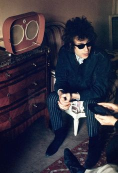 Bob Dylan, Record Player, Paris 1966. Photo by Tony Frank