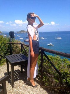 easy summer outfit on a glam beach