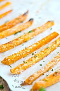 Sweet Potato Fries (Crispy Baked)-  BEST baked sweet potato fries easy with minimal oil, gluten free