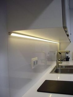 That will motivate you Led Under Cabinet Lighting Ideas – nyamanhome - All For House İdeas Hidden Lighting, Led Under Cabinet Lighting, Cove Lighting, Strip Lighting, Lighting Ideas, Modern Lighting Design, Interior Lighting, Kitchen Lighting Design, Modern Design