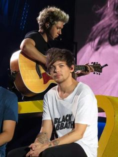 Niall and Louis in Vancouver (7/17/2015)