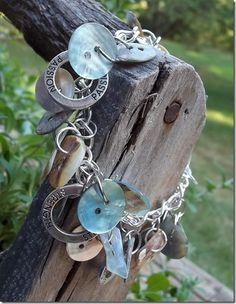 I Isn't this bracelet gorgeous????  It is my craft project for the weekend!