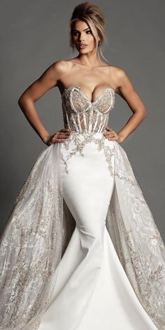 Trumpet wedding dresses are a perfect decision for those who want to look chic & stand out from the crowd. Western Wedding Dresses, Sexy Wedding Dresses, Bridal Dresses, Wedding Gowns, Fancy Dresses For Weddings, Wedding Dress Mermaid Lace, Sweetheart Wedding Dress, Mermaid Dresses, Mermaid Sweetheart
