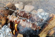 Campfire Bacon from Zestuous - what a great idea!  Why didn't I think of this???