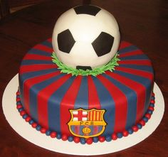 Fc Barcelona cake (cupcakes for boys football) Messi Birthday, Soccer Birthday Cakes, My Birthday Cake, Soccer Cakes, Soccer Party, Bolo Do Barcelona, Barcelona Party, Barcelona Football, Barcelona Team