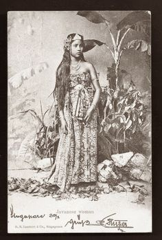 Woman+from+Java+BEAUTY+Costume+ca+1899.JPG (540×800)