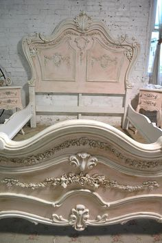 The Shabby Chic décor style popularized by Rachel Ashwell and Arhaus seeks to have an opulent vintage look. Shabby Chic furniture is given a distressed look by covered in sanded milk paint. Shabby Chic Bedrooms, Shabby Chic Homes, Shabby Chic Furniture, Shabby Chic Decor, Parisian Bedroom, Upscale Furniture, Royal Bedroom, Baroque Furniture, White Bedrooms