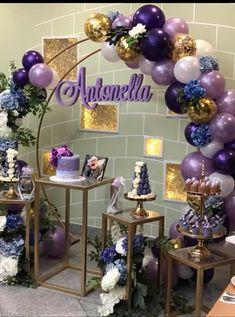 DIY floral birthday balloon bow - New Deko Sites 2 Birthday, Birthday Party Outfits, Birthday Parties, Birthday Balloon Decorations, Birthday Balloons, Baby Shower Decorations, Purple Party Decorations, Balloon Backdrop, Balloon Garland