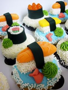 Sushi is usually meant for a meal, and cupcakes for dessert. However, these sushi cupcakes are totally not what they look like on the . Sushi Cupcakes, Sushi Cake, Sushi Party, Snacks Für Party, Yummy Cupcakes, Cupcake Cookies, Dessert Sushi, Sushi Sushi, Party Cupcakes