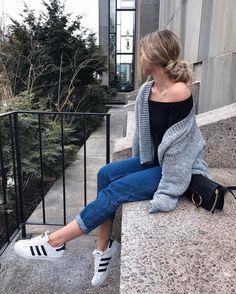 "23.9k Likes, 766 Comments - ⠀⠀⠀⠀⠀⠀⠀⠀Lisa-Marie Schiffner (@lisamarie_schiffner) on Instagram: ""Lache jeden Tag . Liebe unendlich. Lebe den Augenblick. ⚡️ #me #girl #hairstyle { wearing my fav…"""